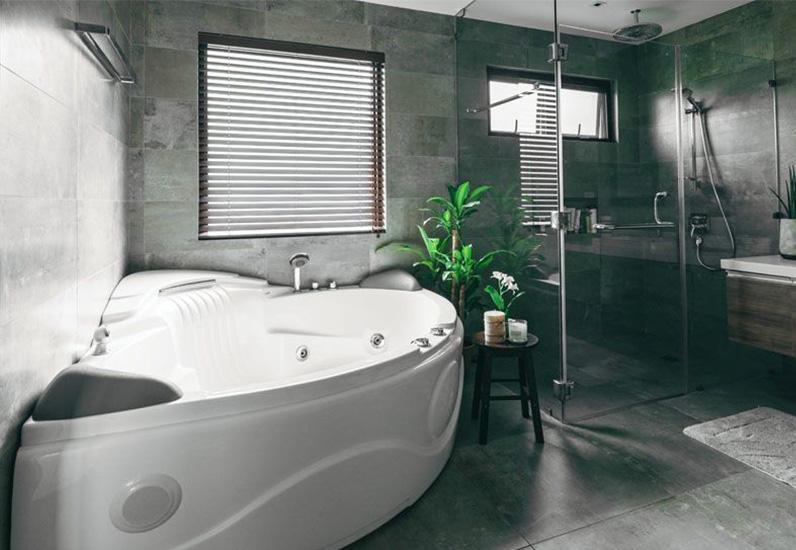 Mẫu Phòng Tắm Đẹp Có Bồn Tắm Massage Vô Cùng Sang Trọng