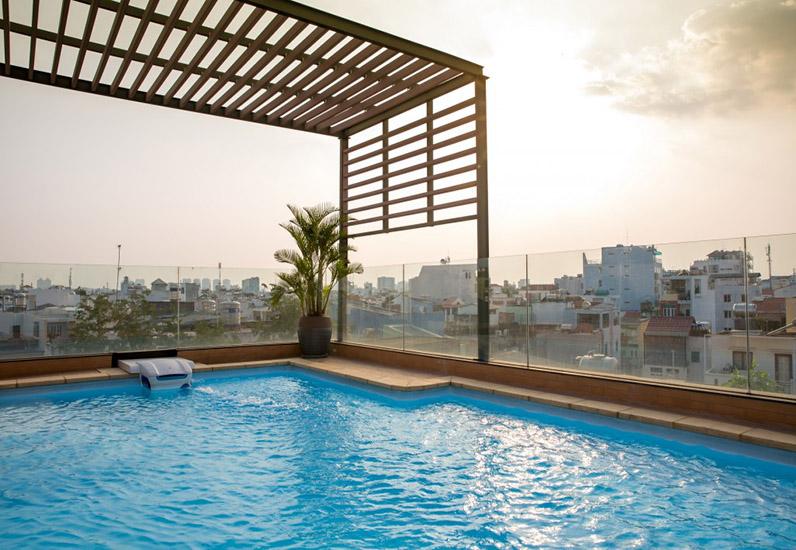 Bể bơi mẫu nội thất đẹp cho nhà phố 7m