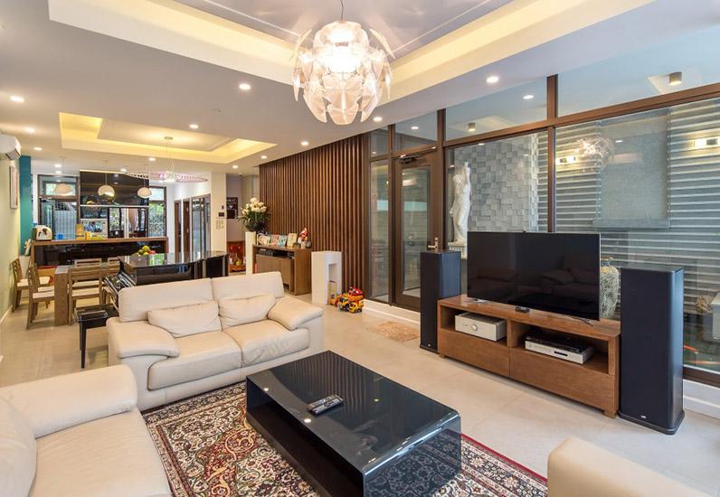 Không gian phòng khách của mẫu nội thất đẹp cho nhà phố 7m