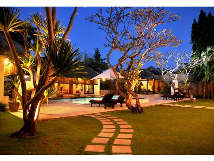 Resort Có Hồ Bơi View Đẹp Phú Quốc